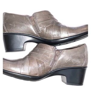 Brown Clark's collection Leather booties size 8